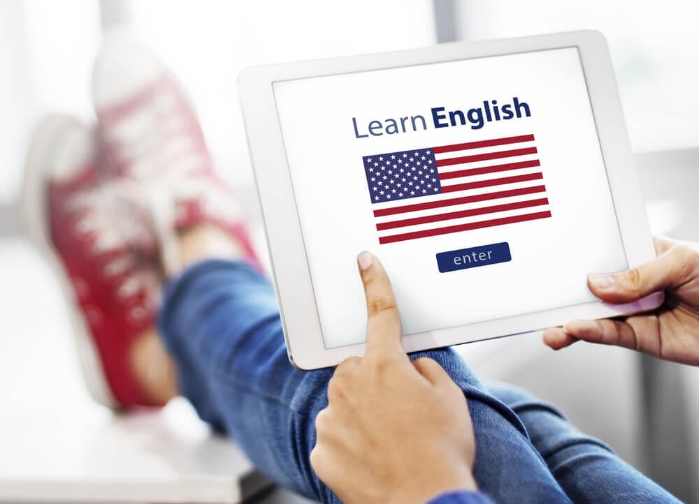 Immersja jezykowa w nauce jezyka – czym jest i czy jest skuteczna