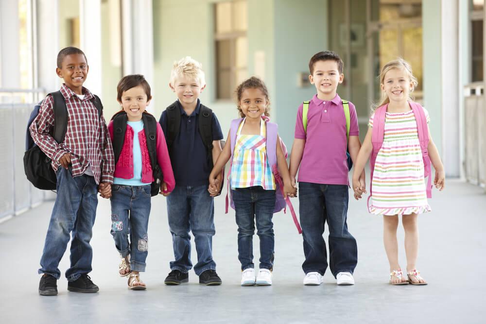 Jak wspomoc proces adaptacyjny dziecka w przedszkolu za granica